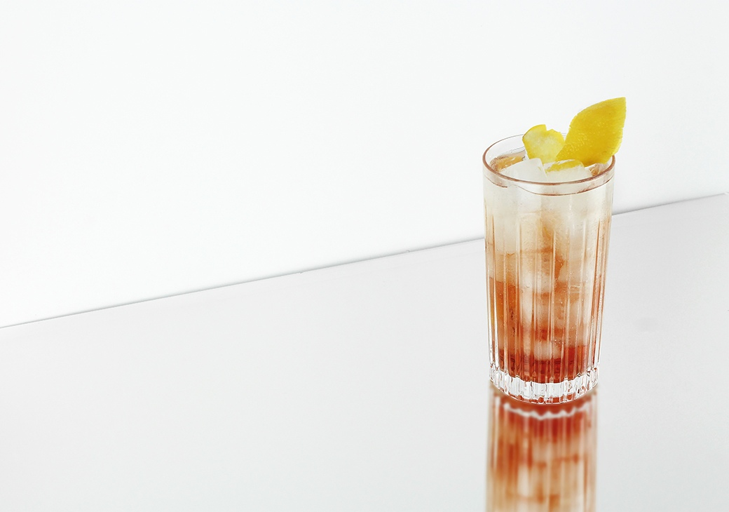 Himbeere Tonic |Himbeergeist | STILVOL. Drinks aus Schnäpsen und Likören