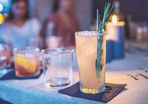 Quittenschorle |Quittenlikör | STILVOL. Drinks aus Schnäpsen und Likören